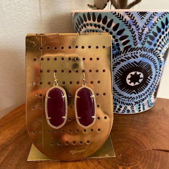 Kendra Scott Jewelry - Kendra Scott Elle Gold Maroon Jade Earrings